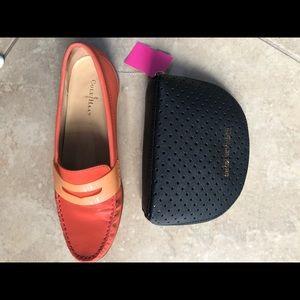 Michael Kors Bags - Michael Kora zip around makeup bag or clutch